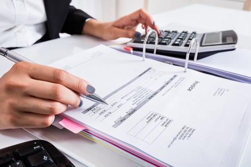 Услуги бухгалтерского обслуживания: плюсы и минусы