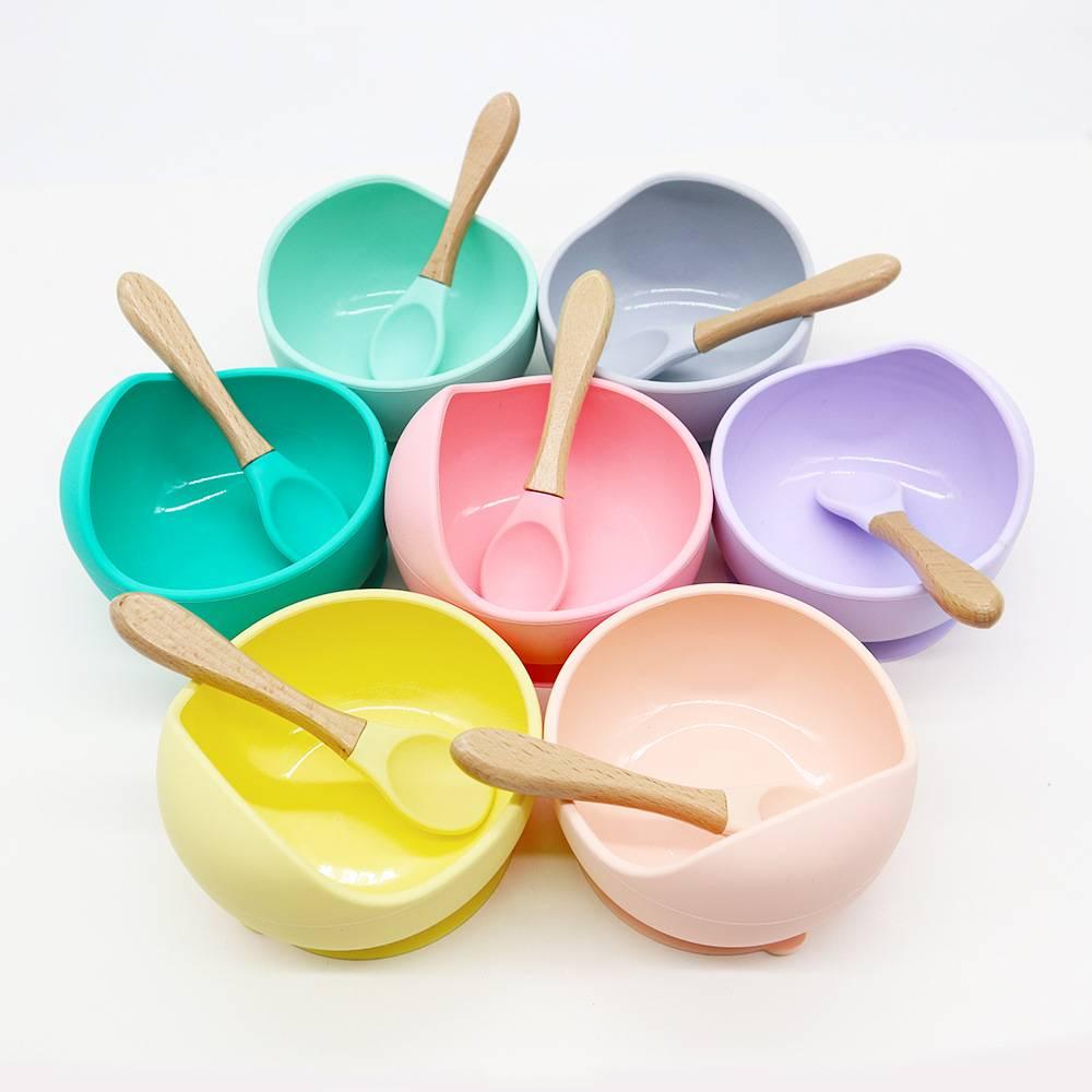 Преимущества силиконовой посуды для детских игр